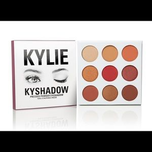 Kylie Cosmetics Burgundy Kyshadow